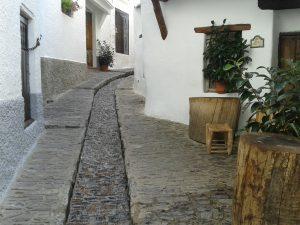 Das Dörfchen Pampaneira in den Alpujarras in Spanien