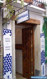 Der Eingang der Escuela Delengua, die mitten im Zentrum von Granada liegt