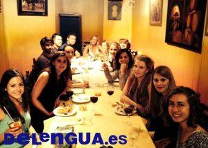 Die spanische Kultur kennenlernen - Tapas essen